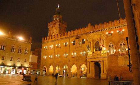 2 piazza palazzo Comune