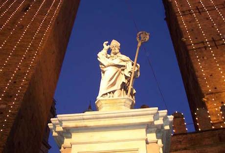 6 Torri statua San Petronio