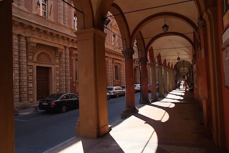 Bologna arcade 1 pixabay.jpg