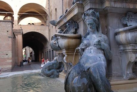 Bologna piazza Maggiore pixabay.jpg