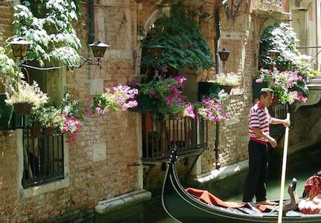 Gondoliere Venezia pixabay.jpg