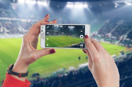 calcio stadio donna pixabay