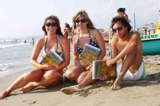 Viareggio_the_Beach_students_1.jpg