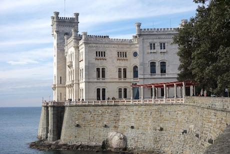 Trieste castello Miramare pixabay.jpg