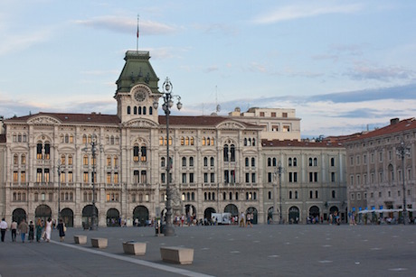Trieste piazza pixabay.jpg