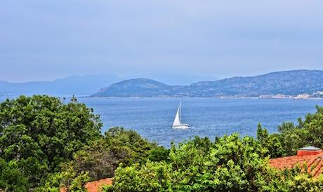 mare Sardegna barca pixabay.jpg