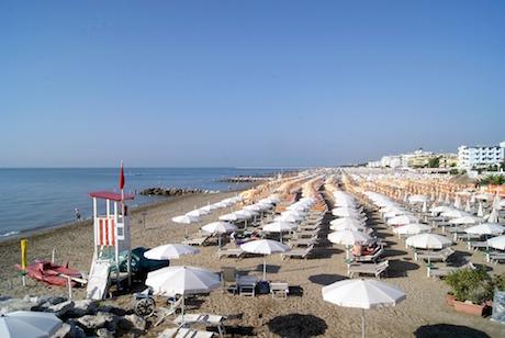 Caorle spiaggia pixabay.jpg