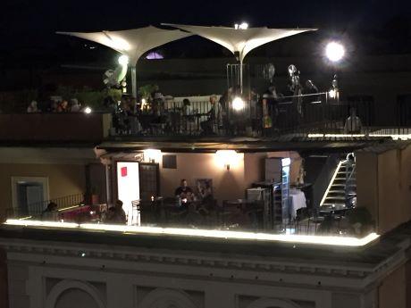 Roma piazza della Spagna bar.JPG
