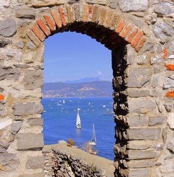 Liguria finestra pixabay.jpg